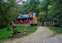 Cabins Mississippi-Secluded Log Cabin With Hot Tub – Near Mississippi River – De Soto